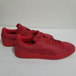 Like New PUMA Red Suede Sneakers